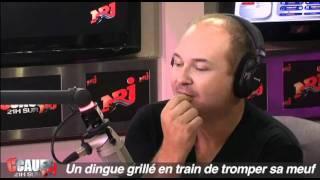 Download Un dingue grillé en train de tromper sa meuf - C'Cauet sur NRJ Video