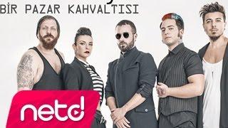 Download Emre Aydın feat. Model - Bir Pazar Kahvaltısı Video