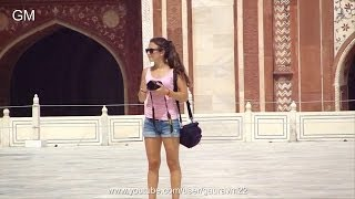 Download Foreign Tourists At Taj Mahal Video
