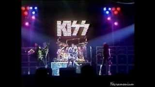 Download KISS - She & Guitar Solo Ace Frehley - Detroit, Cobo Hall 1976 Video