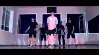 Download Best dance (damn mommy) Video