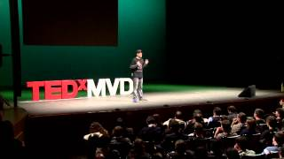 Download Los videojuegos enseñan mejor que la escuela: GONZALO FRASCA at TEDxMontevideo 2012 Video