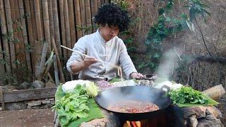 Download 在山里煮火鍋,土灶燒柴直接吃,這火鍋吃的帶勁【村意】 Video