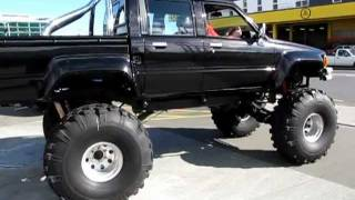 Download Toyota Hilux doublecab Bigfoot monstertruck Video