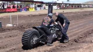 Download v8 bike drags Video
