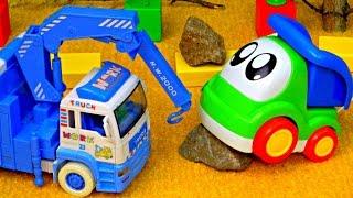 Download Машинки. Развивающие мультики: Грузовичок и Подъемный Кран. Машинки для детей. Video