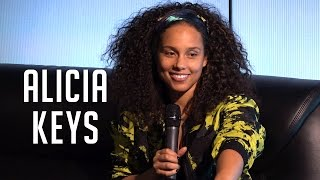 Download Alicia Keys on Her Blended Family, Showing Off on The Voice and Being a Mom on Tour Video