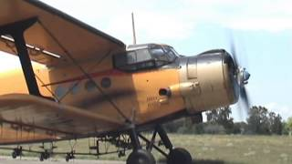 Download Antonov An-2 - engine start (awesome sound!) Video