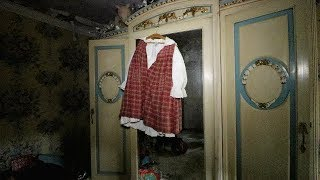 Download Little Girl's Abandoned Mansion - Everything Left Behind Video