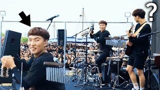 Download 의외의 신들린 드럼에 놀란 관객들 ㄷㄷ (윤딴딴 - 친하게지내자 라이브 직캠) [자막] Video