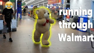 Download GIANT TEDDY BEAR COMES TO LIFE Video