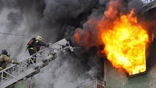 Download Пожар в Солоницевке (парень спасает ребёнка) 15.10.2015 Video