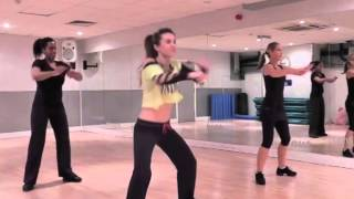 Download Zumba - Salsa - Gloria Estefan / Conga Video
