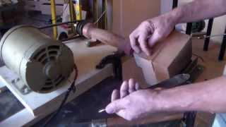 Download Trabalho de torno p\ madeiras feito de forma artesanal ( 1° parte de 2 ) Video