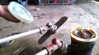 Download การอัดจารบีหัวเกียร์เครื่องตัดหญ้า Video