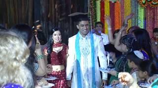 Download Sajan Ji Ghar Aaye - Raymond & Ruthie Video