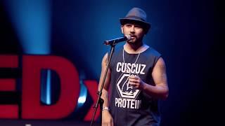 Download A poesia que transforma | Braulio Bessa | TEDxFortaleza Video