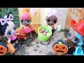 Download LOL SURPRISE DOLLS Halloween Experience Trick Or Treating Barbie Lets Them Go Trick Or Treating! Video