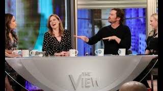 Download Jenna Fischer, Oliver Hudson Talk 'Splitting Up Together', Spouses Making You Gain Weight & More Video