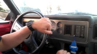 Download 351W 86 mustang pulling Video