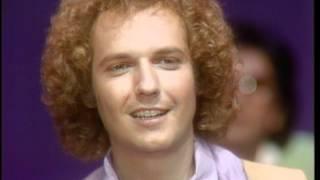 Download Dick Clark Interviews Lee Ritenour - American Bandstand 1981 Video