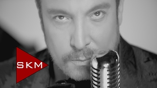 Download Cenk Eren - Bir Şarkımız Vardı Video