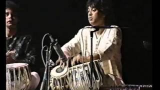 Download Ustad Zakir Hussain Tabla duet Video