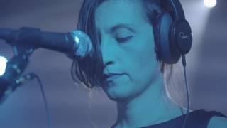 Download Atomová včela – WWW @ Radio Wave Live Session v Olomouci Video