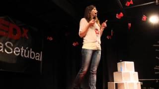 Download ¿Qué hace un investigador en matemáticas? | Pamela Llop | TEDxLagunaSetúbal Video