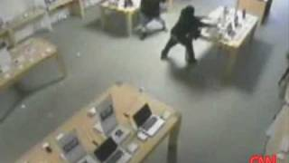 Download Apple Store Robbed in 30 Seconds Video