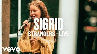 Download Sigrid - Strangers (Live) - dscvr Artists to Watch 2018 Video