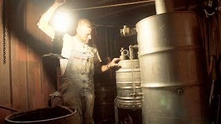 Download A Stainless Steel Moonshining Rig in Case of Emergencies | Moonshiners Video