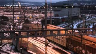 Download Rangierbahnhof zur blauen Stunde - Komposition der Züge - Zug/train/Bahn Video