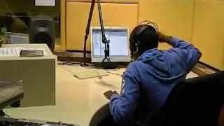 Download 4051 - Mshizzi & Duncan live on Ukhozi FM in 2012 Video