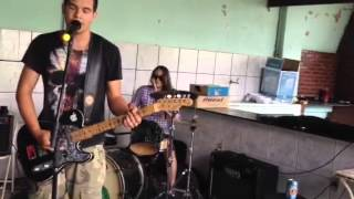 Download Raquel,Meck e Marcus - Closer to the Edge (30stm cover) Video