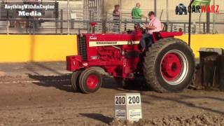 Download 12,500 Pound Field Farm Tractor Class At Marne Truck Pulls 2017 Video