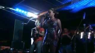 Download Se lo Dices Tú o se lo Digo Yo (en vivo) - Samy y Sandra - San Miguel Monagrillo Octubre 2014 Video