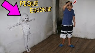 Download ESCONDE-ESCONDE - VALENTINA COM DISFARCE DE PAREDE Video
