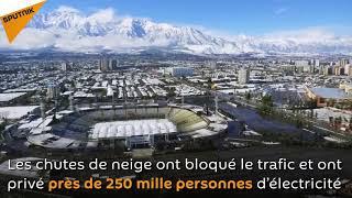 Download Les plus importantes chutes de neige depuis une décennie à Santiago Video