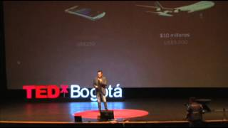 Download Más plata, menos pesos: Rodrigo Reyes at TEDxBogota Video