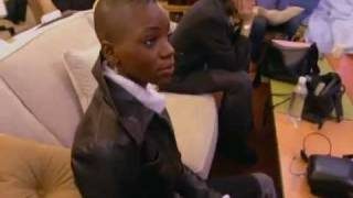 Download ANTM 1- Robin Singing ″How Excellent Is Thy Name″ Video