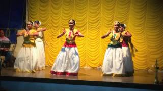Download GROUP DANCE: KERANIRAKALADUM Video