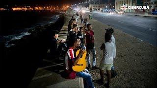 Download Reacciones en el Malecón de La Habana tras la muerte de Fidel Castro Video