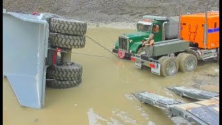 Download HEAVY RC EQUIPMENT FAIL! KOMATSU HD 605 ACCIDENT! RC LIVE ACTION Video