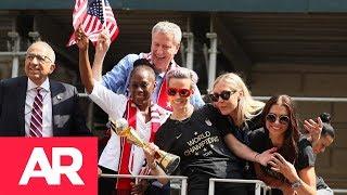 Download Nueva York recibe a las campeonas del mundo en fútbol Video