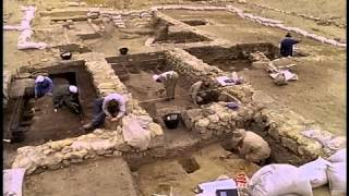 Download Who Built The Pyramids? Video