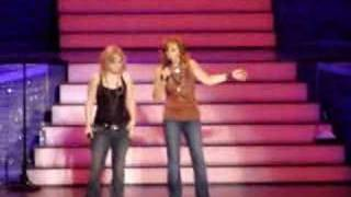 Download Reba & Kelly ″I'm A Survivor″ w/ Barbra Jean Video