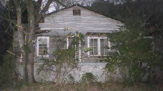 Download Dark and sad abandoned Gatlinburg house #35 (more vintage stuff) Video