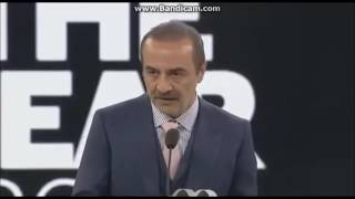 Download GQ ödül töreninde Yılmaz Erdoğan'ın kıvanca takılması Video