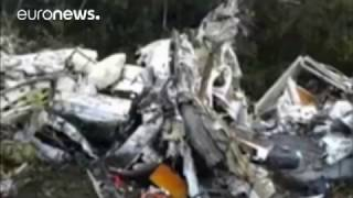 Download Police images: Aftermath of fatal plane crash in Columbian mountains Video